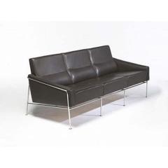 диван Arne Jacobsen 3300 3 Seats