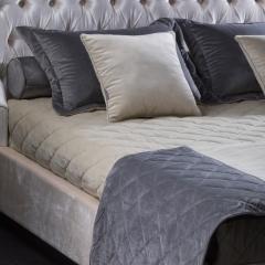 Dafne комплект покрывало с саше и 6 подушками TEXTILE, FRATELLI BARRI